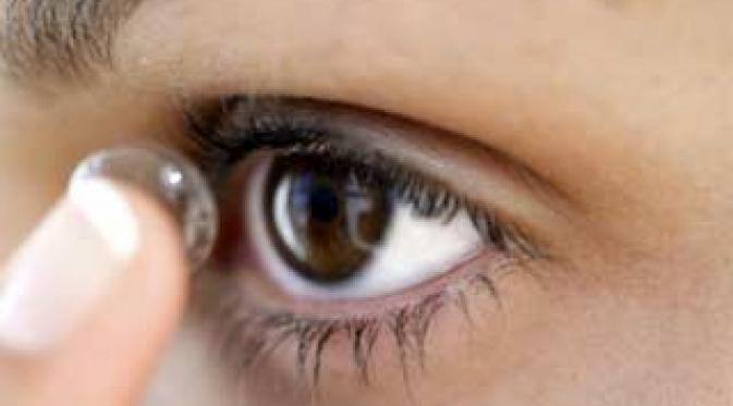 Ciri-ciri bahaya pemakaian Lensa Kontak yang salah